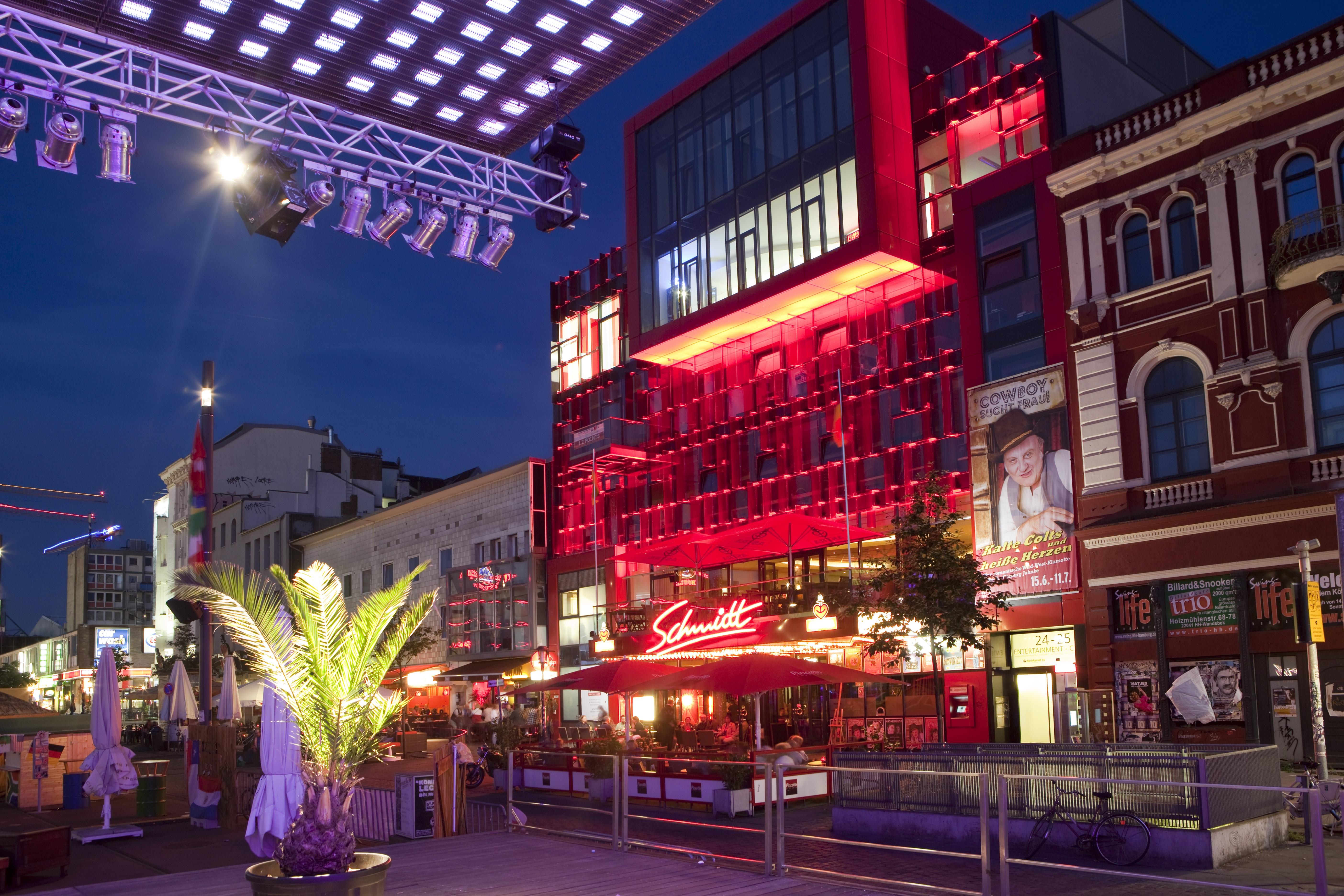 Schmidt Theater bei Nacht